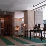 22128725 - ホテルの2階、大手堀を望むお店。(2013.10)