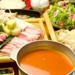 甲州信玄鶏とつくねのシシリアントマト鍋