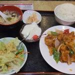 金龍美食 - 酢豚定食