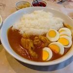 カレーの店 百里香 - スパイシーチキンカリー ¥850. 茹でタマゴのせ。