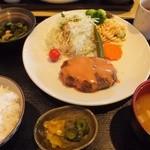 レストラン春日苑 - ハンバーグ定食(780円)