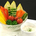 ブルシット - バーニャカウダ          当店2番人気のお料理です!クリーミーなソースです。