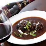 ブルシット - 豚バラ肉のバルサミコ煮       当店3番人気のお料理です!お肉がホロホロしています♪