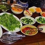 鉄板焼きeins - 野菜とフルーツも取り放題です