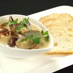 ブルシット - あさりバター          バケットで最後のスープまでお召し上がりください。