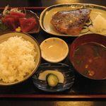 雑魚屋 - 焼魚(つぼ鯛)定食¥700