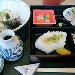 ごまそば鶴喜 - 料理写真:鶴喜弁当 880円