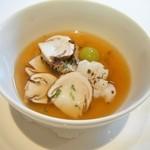 シュマン - 松茸と鱧の温製ロワイヤル