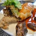Chemins - スコットランド産 雷鳥を二皿のサービスで 腿肉のパイ包み焼き
