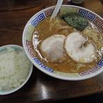 麻布ラーメン - 豚骨醤油ラーメン+ランチライス