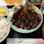 憩 - ビーフカツ定食 ¥980