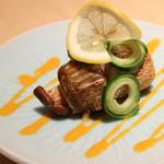 割烹 大田川 - お料理は旬の食材を最高の調理法でご用意しております。正統派からユニークなものまで多彩なメニューをぜひお楽しみください。