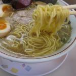ラーメンショップ - 中細麺 スープがユニークな香り