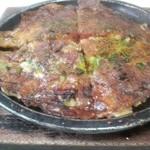 たこ焼き住吉 - 料理写真:住吉さん名物のカシミン焼き!風味と言い、食感と言い濃厚な味わいが最高!(  ^∀^)