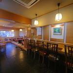 深井屋 - 店内にはテーブル席、掘りごたつ席、お座敷、カウンター席を完備!