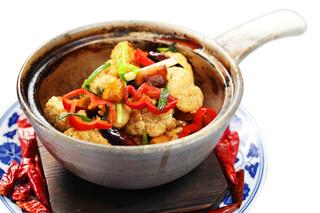 中華香彩JASMINE - カリフラワーの強火炒め 焦がしにんにく醤油の香り