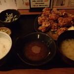 THE 有鳥天酒場 - とり唐揚げ食べ放題定食  750円