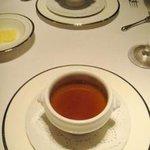 ドン・ナチュール - ・スープ: ヴィシソワーズ(奥)/コンソメ(手前)。