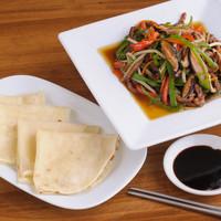 巧匠 - カオヤーピン(四枚180円)とセットで『五種野菜と牛肉の炒め』