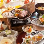香家 - 中トロ、伊勢海老、フォグラの高級食材を伝統ある和の匠の技で愉しむことのできる贅沢なコースで御座います。牛フィレとフォアグラの陶板焼きはふっくら食材の旨味を引き出した逸品で御座います。