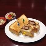 ヨンパチ食堂 - ランチメンチカツサンド