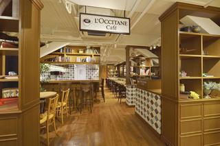 ロクシタンカフェ - 2階ライブラリーカフェ