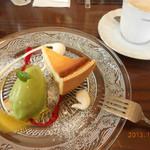 ビストロ ターボー - まっ茶のアイス クリームチーズとりんごのタルト