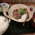 22162217 - 肉豆腐膳は¥1000だ~、結構いい値段よね