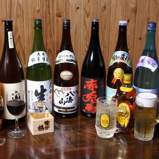全国各地の地酒を常時60銘柄…