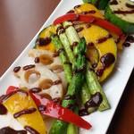 やぐやキチジョウジ - 焼き野菜サラダ