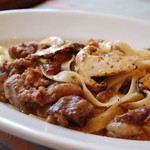 ローズ・エ・ロメオ - 松茸と牛肉のフェットチーネ
