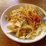 ミルミレ - ランチセットのサラダ(食べかけで申し訳ない)