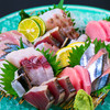 壽 - 料理写真:旬でグレードの高い鮮魚を盛り合わせた『刺身盛合わせ』 五種