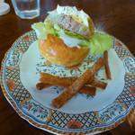 パン ド クエット - クエバーガー(H25年の第3回・清須ワングランプリ出展料理)
