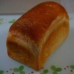薪焼き石窯パン 岳人 - 自家製ビール酵母食パン420円