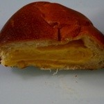 薪焼き石窯パン 岳人 - こだわりクリームパン 200円クリームぎっしり