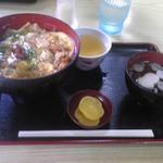 22181728 - 松茸丼(1080円)