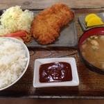 22182685 - 上ロース定食¥750はお得。