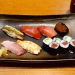 友食人酒 - (ランチ) 江戸前にぎり六貫、巻き物一本 ¥1,500