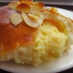 エストジュール - クリームパン(147円)
