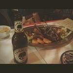 22185739 - ケニアのビールとケバブ、ブリワット、フムス等々前菜盛り合わせ❤