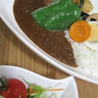 きっちんCAFE PROM610 - 素揚げ野菜がトッピング  彩(いろどり)カレー