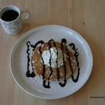 カリフォルニアダイナー - オーシャンサイド チョコレートパンケーキ ¥600 (チョコレートパンケーキ2枚、ジュース)