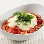 チーズ de トマト - モッツァレラチーズをのせたトマトソース