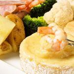チーズ de トマト - 丸ごとカマンベールでチーズフォンデュ