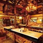 レストラン シアトル - 広い店内は最大80名様(貸切30名様~)まで。ゆったりくつろげます