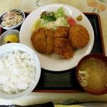 食堂 愛津屋 - ミックスフライ定食