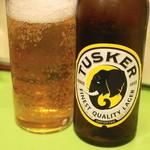 サバンナ - 2013.10 タスカー(小瓶700円)ケニアビールで一番有名なブランドらしい