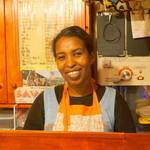 サバンナ - 2013.10 ケニア人のママ兼料理人※掲載許諾済み