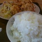 生香楼 - 鶏唐揚げ、大盛ご飯